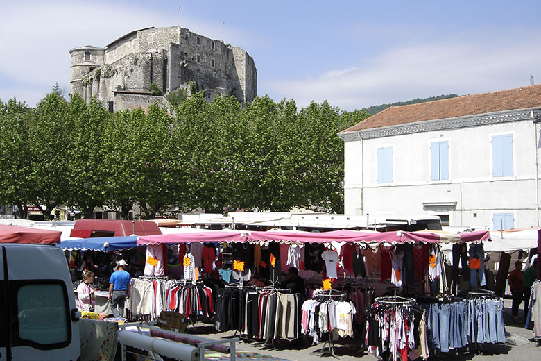 Marché à la Voulte sur Rhône en Ardèche