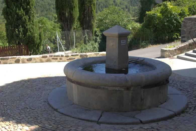 Fontaine Saint-Vincent-de-Barres