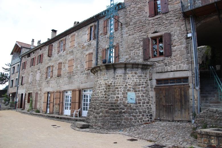 Place du Valla - Chalencon - Ardeche-actu - 2016