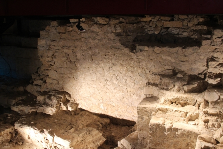 Les vestiges antécédents à l'Abbatiale - Cruas - Ardeche-actu - 2016