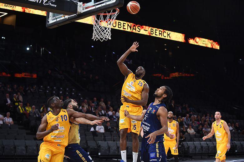 Aubenas Basket s'incline en finale du Trophée Coupe de France contre Berck