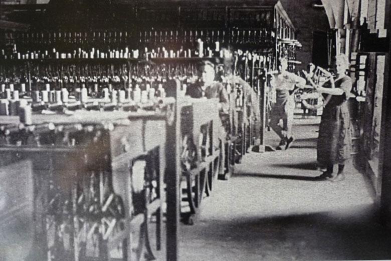 Moulinage de la Neuve vers 1910 Polisseuse - Moulinage de la Neuve - Marcols les Eaux